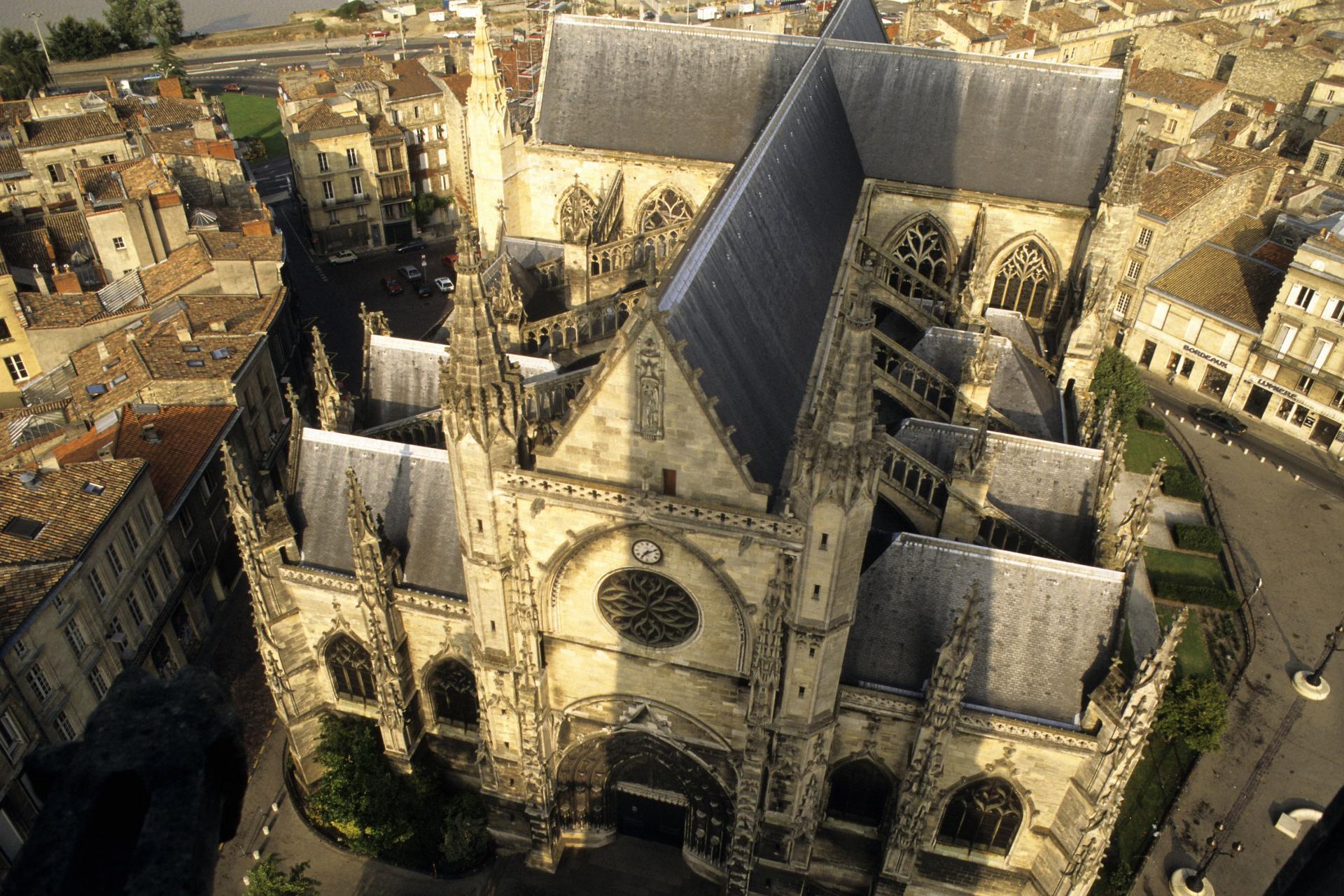 1-Basilique-Saint-Michel-vue-du-ciel